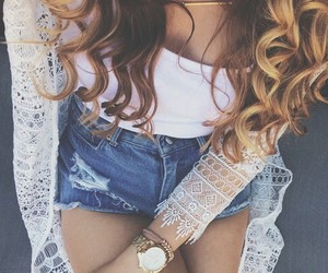 curls and fashion image