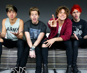 music, claires, and 5 seconds of summer image
