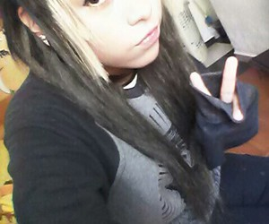 black and white hair, scene queen, and scene girl image