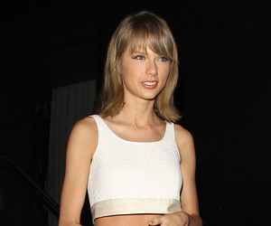 Taylor Swift, candid, and tumblr image