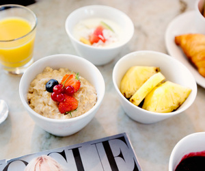 breakfast, FRUiTS, and healthy image