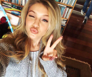 gigi hadid, selfie, and blonde image
