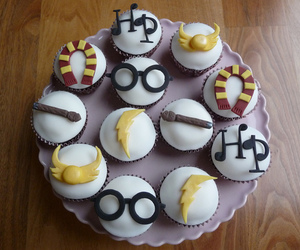 candy, harry potter, and cupcakes image