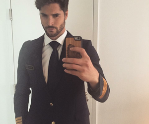 nick bateman, ugly love, and miles archer image