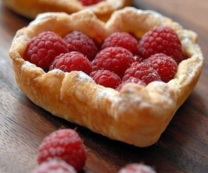food, raspberry, and yummy image