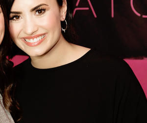 demi, hq, and lovato image
