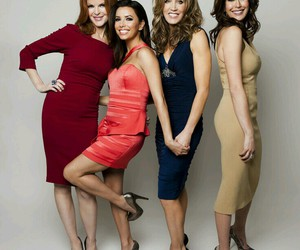 Desperate Housewives, marcia cross, and felicity huffman image