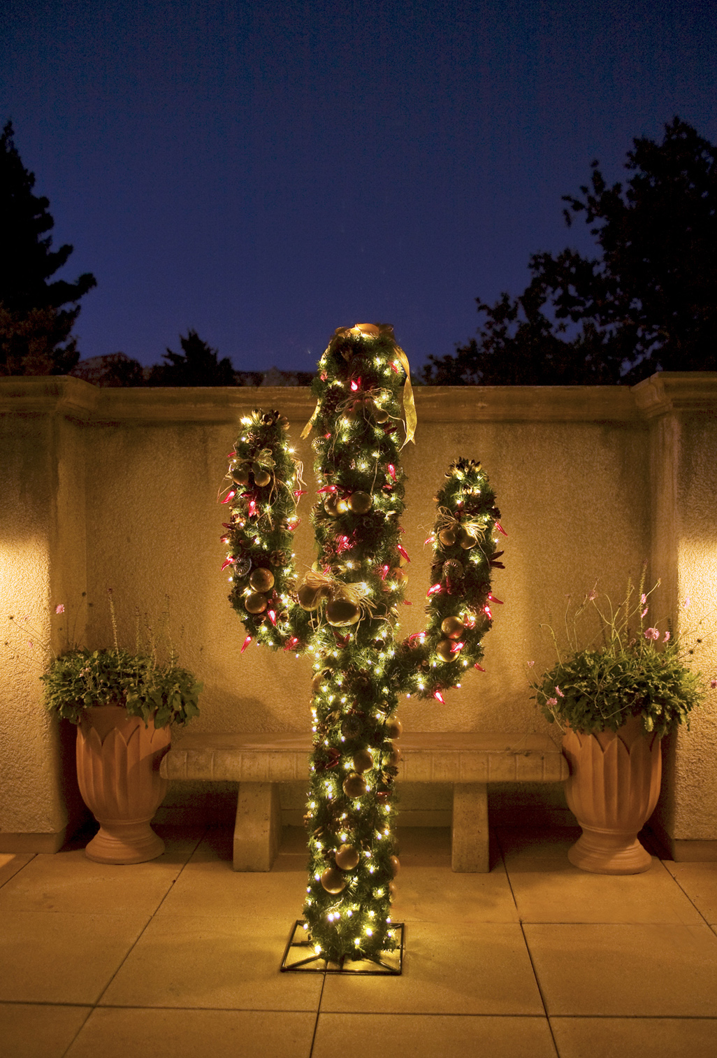 Christmas Tree In The Desert.Tlaqepaque Sedona Cactus Christmas Tree Fake Christmasy