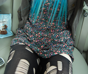 girl, dingyfeathers, and blue hair image