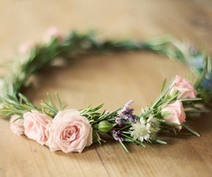 wreath, flowers, and green image