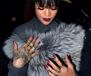 rihanna, riri, and nails image