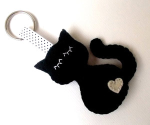black cat and cat keychain image