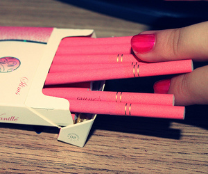 slims and pink cigarrete image