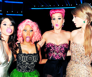 selena gomez, katy perry, and Taylor Swift image