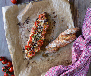 baguette, foodporn, and tomatos image