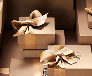 gifts and luxury image