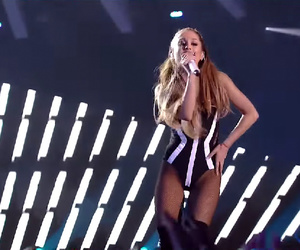 live, break free, and singer image