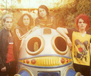 my chemical romance, ray toro, and frank iero image