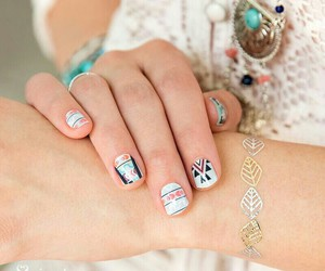 subscription, free shipping, and stylebox by jamberry image