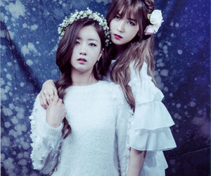 bomi, chorong, and apink image