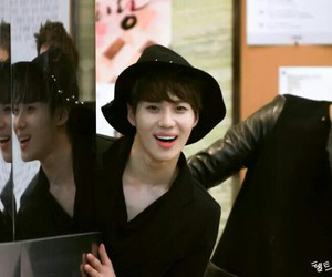 happy, SHINee, and cute image