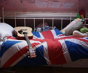 guitar, bed, and england image
