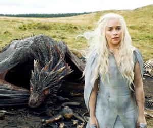 game of thrones, daenerys, and dragon image
