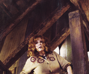 harry potter, molly weasley, and hogwarts image