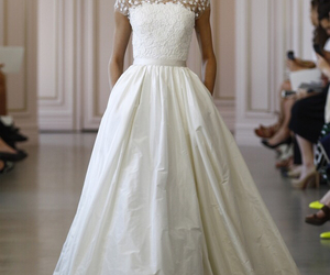 dress, oscar de la renta, and wedding image
