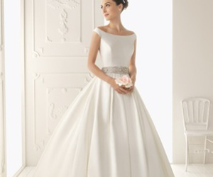 wedding dress and bridal gown image