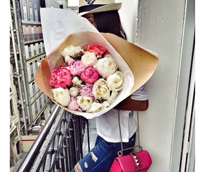 flowers, bouquet, and girl image