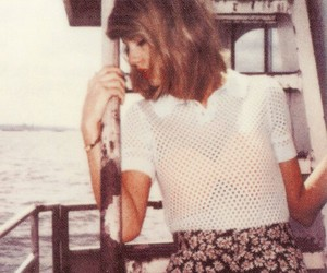Taylor Swift, 1989, and polaroid image