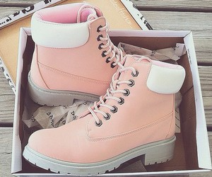 😍, boots pink, and bamboo shoes image