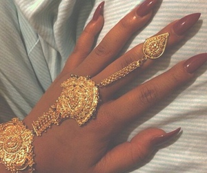 nails, gold, and jewelry image