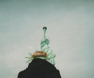 girl, new york, and statue of liberty image