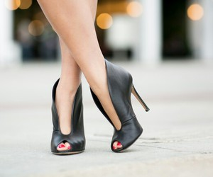 black, chic, and shoes image