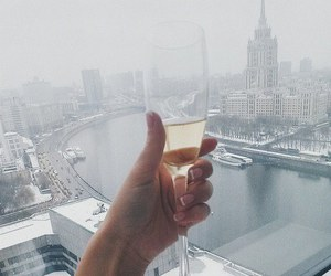 champagne and city image