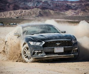 car and ford mustang image