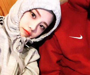 ulzzang, korean, and nike image