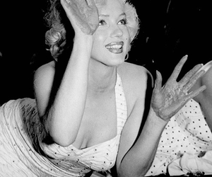 Marilyn Monroe, Walk of Fame, and hollywood star image