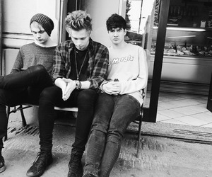 5sos, calum hood, and luke hemmings image