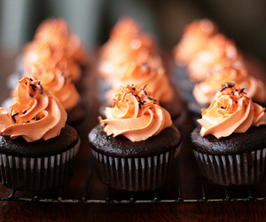 cupcakes, food, and frosting image