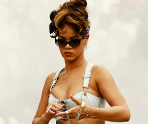 rihanna and we found love image