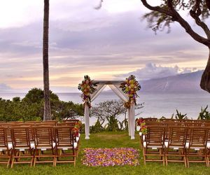 hawaii, wedding, and wedding flowers image