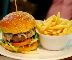 beauty, burger, and fast food image