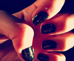 glitters and nails image