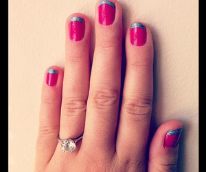 nails and pink & nlue image