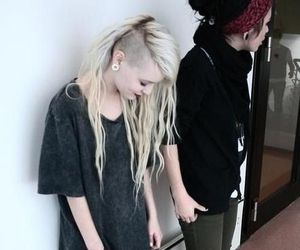 blonde, grunge, and side cut image