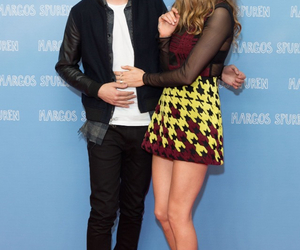 couple, paper towns, and cara delevingne image