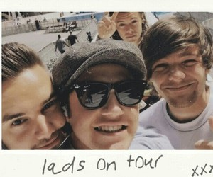 polaroid, liam payne, and one direction image